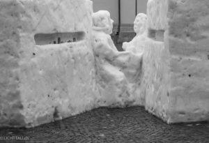 Schnee auf Pflaster